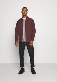 Abercrombie & Fitch - SIGNATURE SOLID OXFORD - Shirt - burg - 1