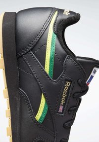 Reebok Classic - CLASSIC LEATHER SHOES - Sneakers laag - black - 6