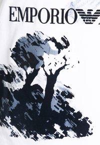 Emporio Armani - Print T-shirt - bianco - 5