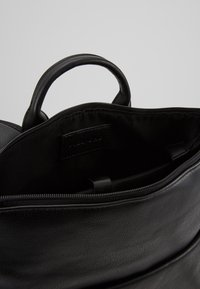 Pier One - UNISEX - Mochila - black