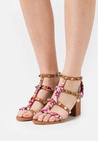 KHARISMA - Sandals - soft marrone - 0