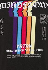 YOURTURN - UNISEX - T-shirt imprimé - black - 6