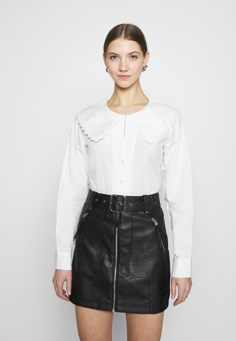 NA-KD - EMBROIDERY COLLAR - Button-down blouse - off white