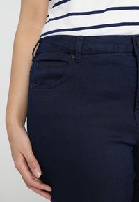 Zizzi - LONG AMY - Slim fit jeans - dark blue - 3