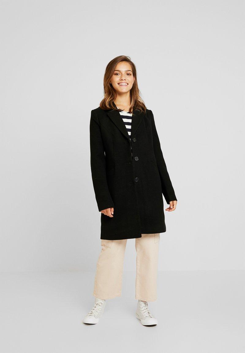 Vero Moda Petite - VMCALA CINDY JACKET - Zimní kabát - black