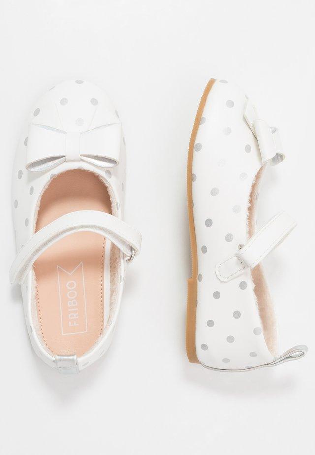 Ballerinat nilkkaremmillä - white