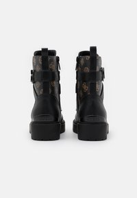 Guess - ORANA - Bottines à plateau - brown/ocra