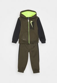 Nike Sportswear - COLORBLOCK THERMA SET - Trainingsvest - cargo khaki - 0