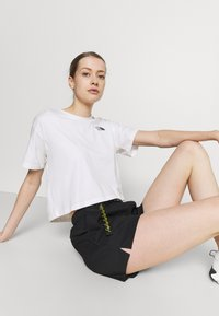 The North Face - CLASS BELTED SHORT  - Sports shorts - black - 3