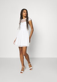 Nly by Nelly - DREAM ON DRESS - Koktejlové šaty/ šaty na párty - white - 1