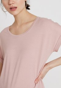 ONLY - Basic T-shirt - pale mauve - 4