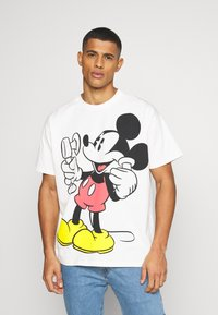 Levi's® - DISNEY MICKEY AND FRIENDS TEE - T-shirt imprimé - marshmallow - 0