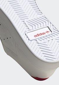 adidas Originals - SLEEK - Tenisky - footwear white/scarlet/core black - 15