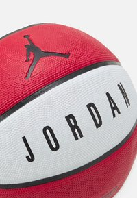 Jordan - PLAYGROUND SIZE 7 - Basketball - gym red/white/black - 1