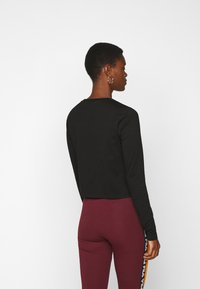 Fila Tall - MARCELINE LONG SLEEVED CROPPED - Long sleeved top - black - 2