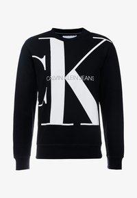 Calvin Klein Jeans - UPSCALE MONOGRAM CREW NECK - Sweatshirt - black - 3