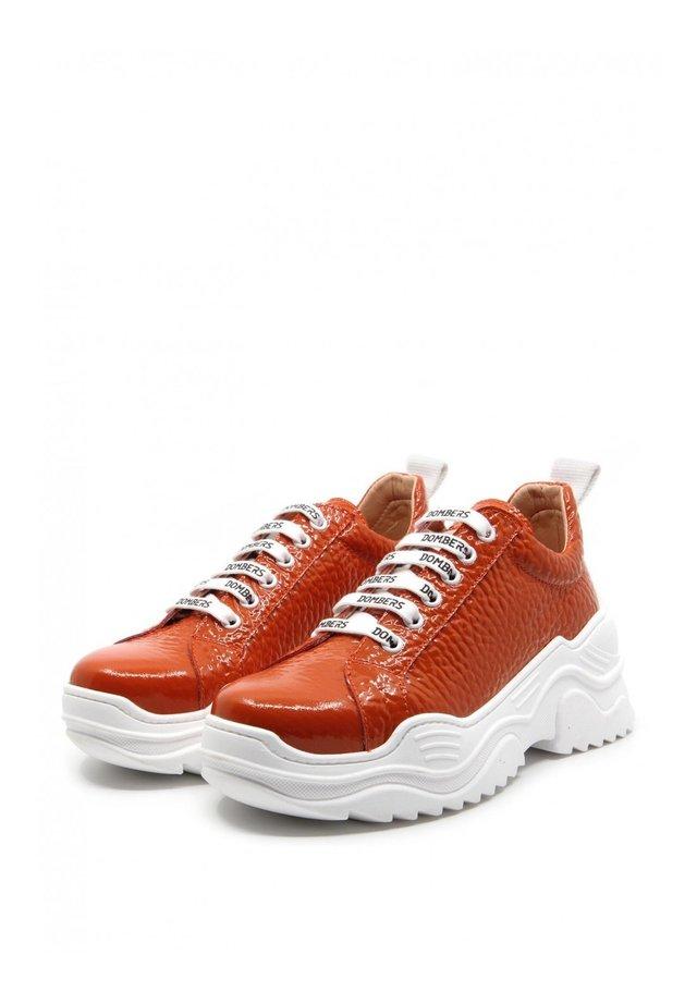 Sneakers basse - naranja