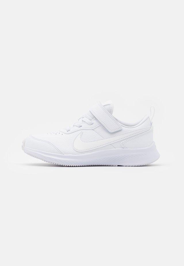 VARSITY UNISEX - Neutral running shoes - white