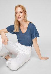 s.Oliver - Print T-shirt - blue - 4