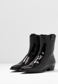 E8 BY MIISTA - ENNI - Cowboy/biker ankle boot - black