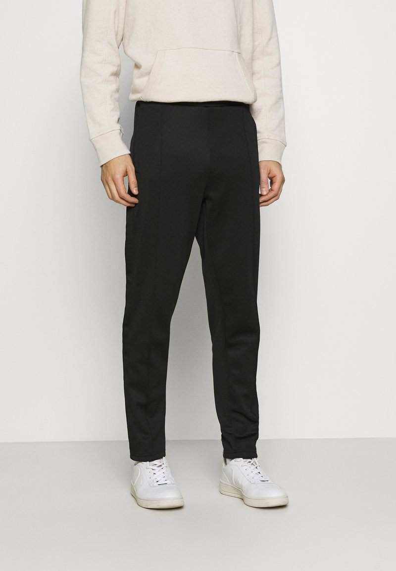Lyle & Scott - TRACK PANT WITH TAPING - Träningsbyxor - jet black