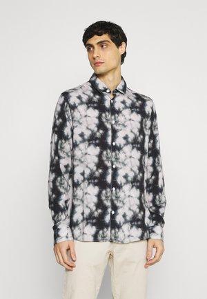 PREDBJØRN - Shirt - black