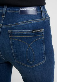 Calvin Klein Jeans - 010 HIGH RISE SKINNY ANKLE - Jeans Skinny Fit - aces high blue - 3