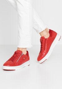 Tamaris Pure Relax - LACE-UP - Trainers - chili - 0