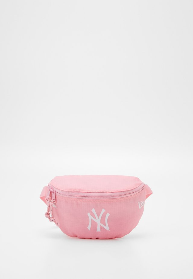 MINI WAIST BAG - Rumpetaske - pink