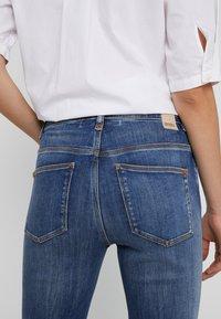DRYKORN - WET - Jeans Skinny - mid blue wash - 3