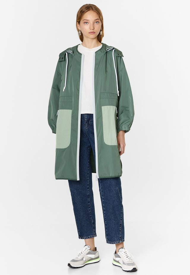 Trenchcoat - dark green