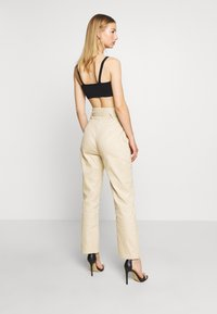 Missguided - PAPERBAG WAIST BELTED TROUSERS - Trousers - beige - 2