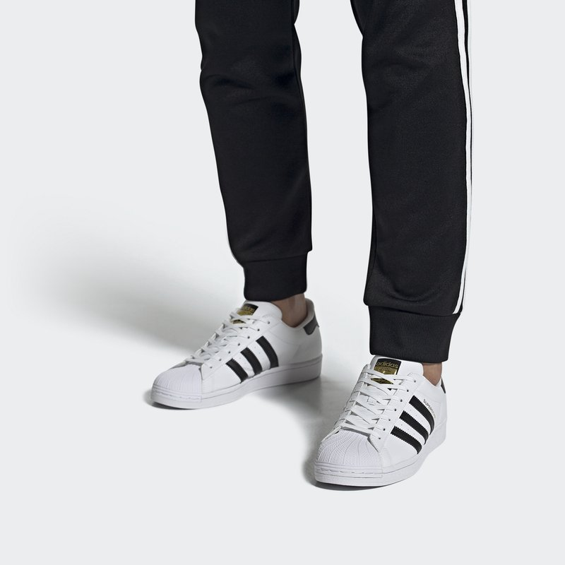 adidas Originals - SUPERSTAR VEGAN - Tenisky - footwear white/core black/green