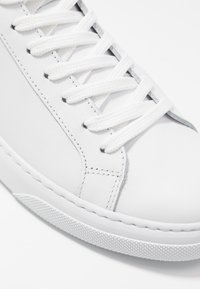 GARMENT PROJECT - EXCLUSIVE TYPE MID - Korkeavartiset tennarit - white - 2