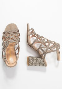 Alma en Pena - High heeled sandals - taupe - 3