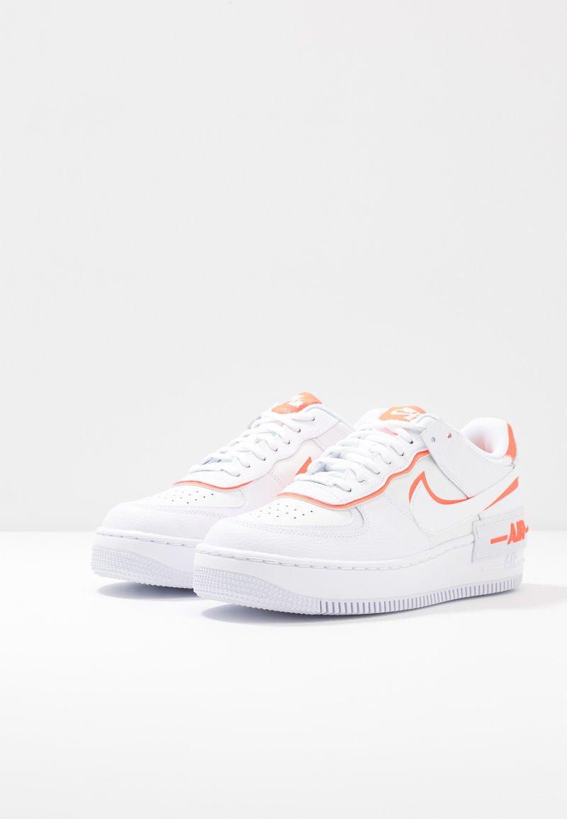 Nike Sportswear Air Force 1 Shadow Trainers White Summit White Total Orange White Zalando Ie Bu ürünlerden tercihte bulunarak kaliteyi uygun fiyata sahip olabilirsiniz. air force 1 shadow trainers white summit white total orange