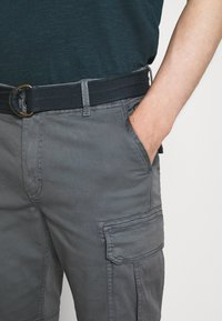 Petrol Industries - WITH BELT - Shorts - wolf grey - 6