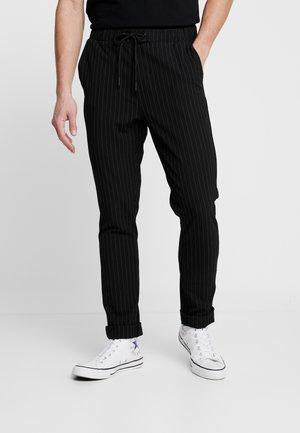 PANTS - Spodnie materiałowe - charcoal