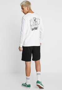 Vans - RANGE - Shorts - black - 2