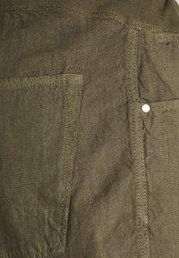120% Lino - Shorts - vulcano - 2