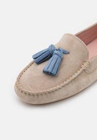 Pretty Ballerinas - Mokkasiner - sand/jeans - 6