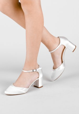 ADA - Bridal shoes - white