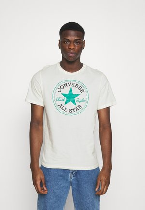 CHUCK TAYLOR ALL STAR PATCH GRAPHIC TEE - T-Shirt print - egret