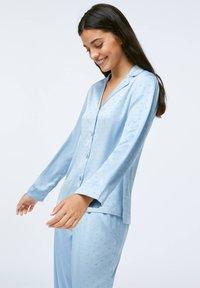 OYSHO - Nattøj trøjer - light blue - 2