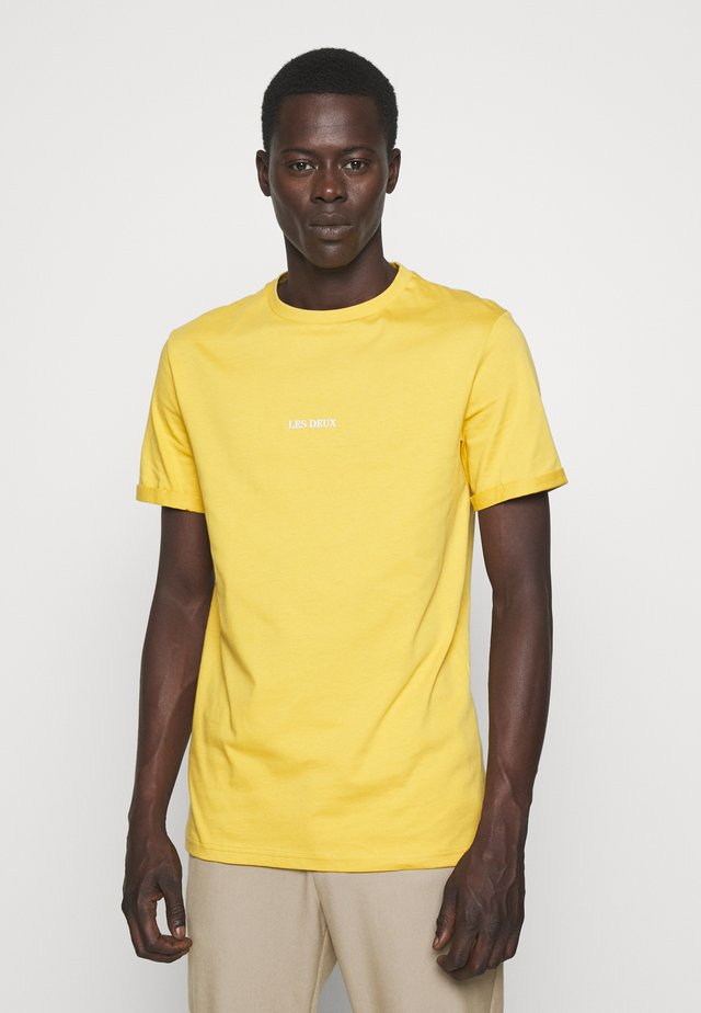 LENS - Basic T-shirt - yellow/white
