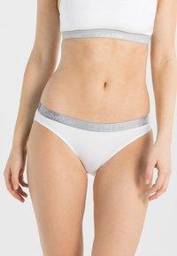 Calvin Klein Underwear - RADIANT COTTON  - Alushousut - white - 0