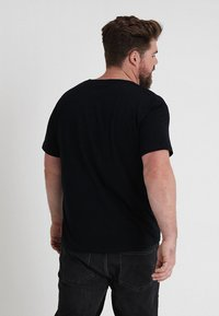 GANT - THE ORIGINAL - Camiseta básica - black - 2