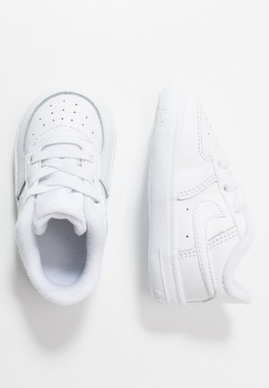 FORCE 1 CRIB - Lära-gå-skor - white