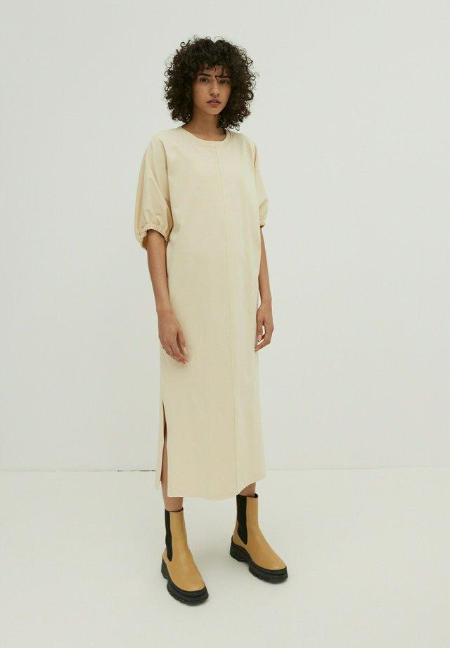 BRIA - Korte jurk - beige