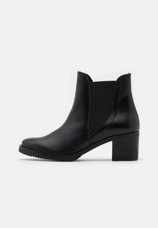 BEGOÑA - Kotníkové boty - black